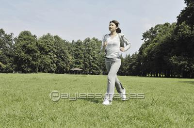 準備運動する男女 イメージID:gf0690223971モデルリリース/プロパティリリー...