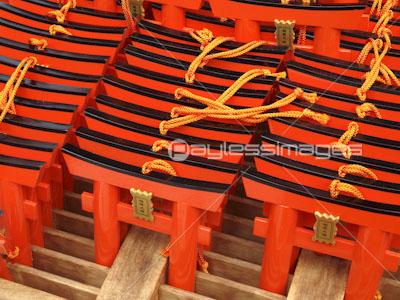 伏見稲荷大社のお守り鳥居の写真イラスト素材 Gf1120570230