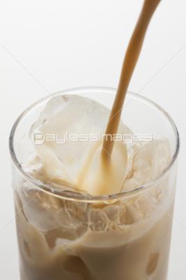 アイスミルクティーの写真イラスト素材 Gf1420631525 ペイレス