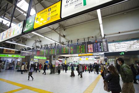上野駅中央改札口前の写真・イラ...