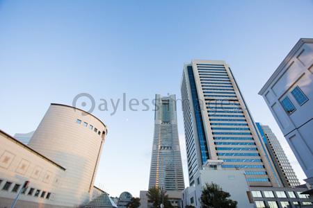 ランドマークタワーの写真イラスト素材 Gf1420766456 ペイレス