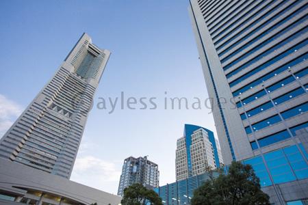 ランドマークタワーの写真イラスト素材 Gf1420766468 ペイレス