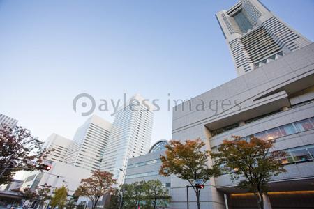 ランドマークタワーの写真イラスト素材 Gf1420766473 ペイレス