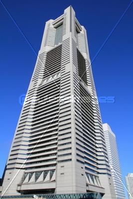 横浜ランドマークタワーの写真イラスト素材 Xf1125087850 ペイレス